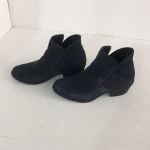 Navy blue suede booties